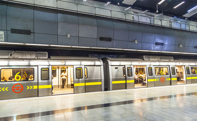 Passenger Allegedly Commits Suicide On Metro's Yellow Line In Delhi