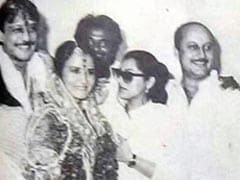 Can You Spot Rajinikanth, Dimple Kapadia And Anupam Kher In Jackie Shroff's Wedding Pic?