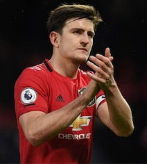 Man Utd Fans Vent Fury At Harry Maguire After Everton Draw