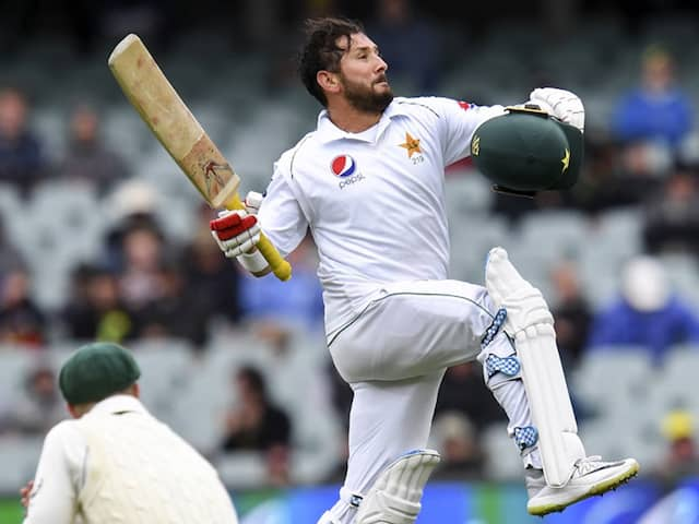 """<i>Asay Hota Hai</i>"": Shoaib Akhtar Mocks Pakistan Batsmen After Yasir Shah Scores His 1st Test Century"