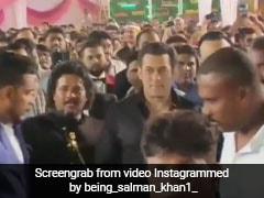 सलमान खान ने की मेकअप आर्टिस्ट के बेटे की शादी में एंट्री, भाईजान के आते ही यूं मचा धमाल- देखें Video
