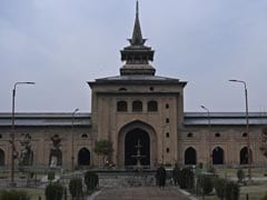 Prayers At Srinagar's Jamia Masjid For 1st Time Since Article 370 Removed