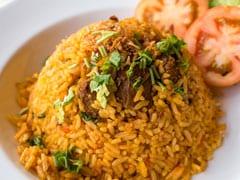 हाई-प्रोटीन Moong Dal स्प्राउट्स पुलाव से बनाएं अपनी पसंदीदा हेल्दी चावल डिश (Recipe Inside)