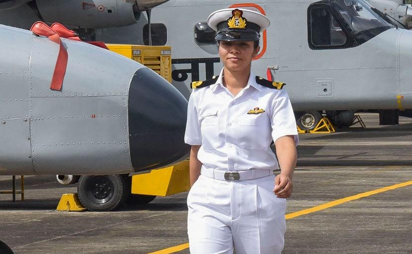 पहली महिला नौसैनिक पायलाट बनीं शिवांगी तो शत्रुघ्न सिन्हा ने किया Tweet, बोले- शाबाश...