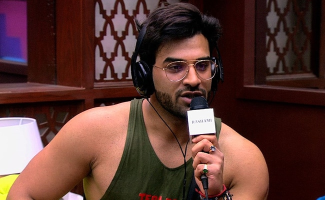 Bigg Boss 13 Written Update December 12, 2019: Paras Chhabra Returns To The House