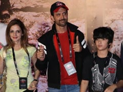 Hrithik And Ex-Wife Sussanne Have A Blast At U2 Concert. See Pics