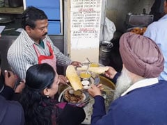 Watch: This 32-Year-Old South Indian Joint In Jantar Mantar Is A Hit Among Delhiites