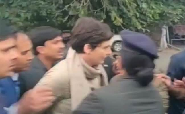 Shatrughan Sinha's Advice To PM On Priyanka Gandhi's Alleged Manhandling