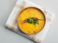 Watch: Try This Bombay Sambar (Bombay <i>Chutney</i>) With Idli And Dosa (Recipe Video Inside)