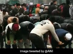 Watch: As Muslims Prayed At Jamia Protest, This Gesture Moved Twitter
