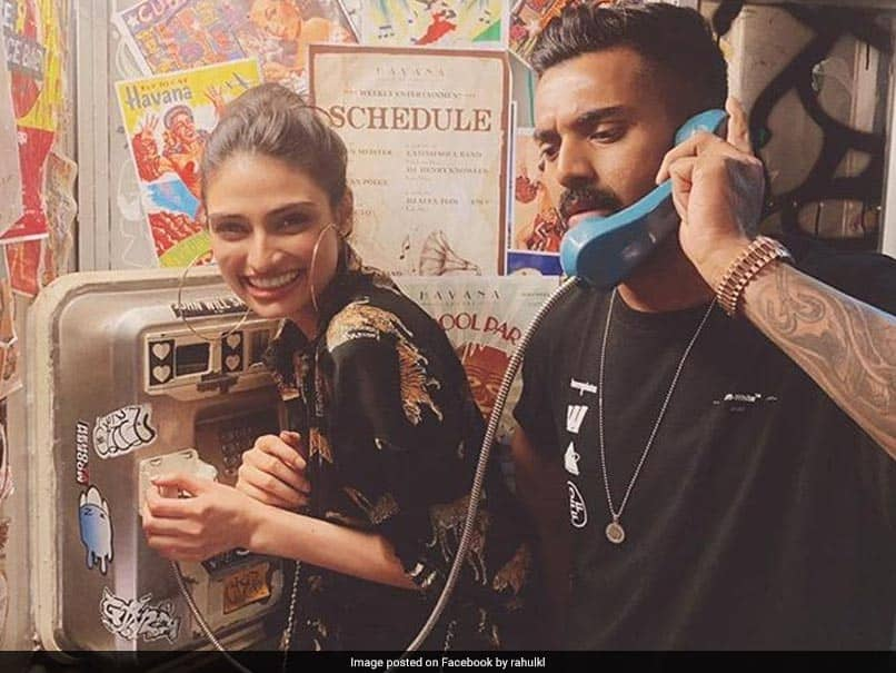 Suniel Shetty Reacts To Daughter Athiyas Picture With KL Rahul