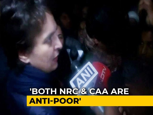 Video : Priyanka Gandhi's Notes Ban Parallel As She Joins Protests At India Gate