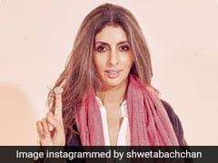 अमिताभ बच्चन के 'जुम्मा चुम्मा दे दे' वाले स्टाइल में नजर आईं श्वेता बच्चन, वायरल हुई Photo