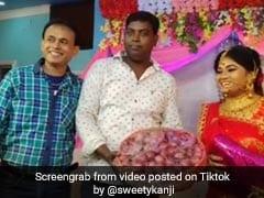 शादी में लड़के ने गिफ्ट में दिया 5 किलो प्याज, दुल्हन ने खुश होकर किया ऐसा... देखें Viral Video