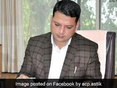 नगरपालिका के कमिश्नर बनने पर भाजपा नेता ने गिफ्ट किया Pen, लगा दिया 5 हजार रुपये का जुर्माना