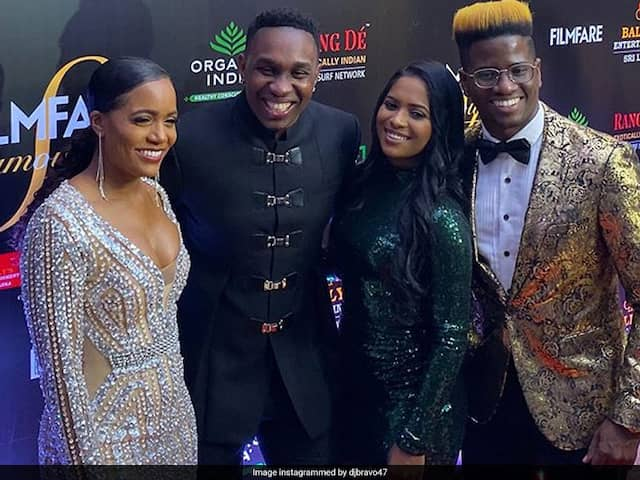 """Dwayne Bravo Attends Filmfare Glamour And Style Awards 2019 With """"Champion Team"""""""