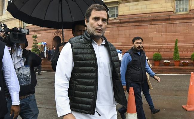 ராகுல் காந்திக்கு கொரோனா பாதிப்பு இருக்கலாம்!! - சந்தேகம் எழுப்பும் பாஜக!!