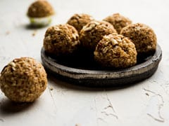 Walnut Ladoo Recipe: Amp Up The Festive Fare With This Healthy And Yummy 3-Ingredient Ladoo