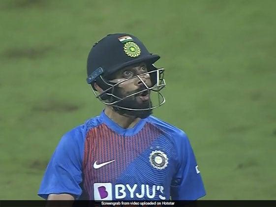 विराट कोहली ने छक्का जड़कर गेंदबाज को ऐसे चिढ़ाया, एक मिनट के Video में देखें उनकी धमाकेदार पारी
