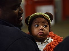 On Christmas Eve, US Firefighters Meet The Baby They Saved