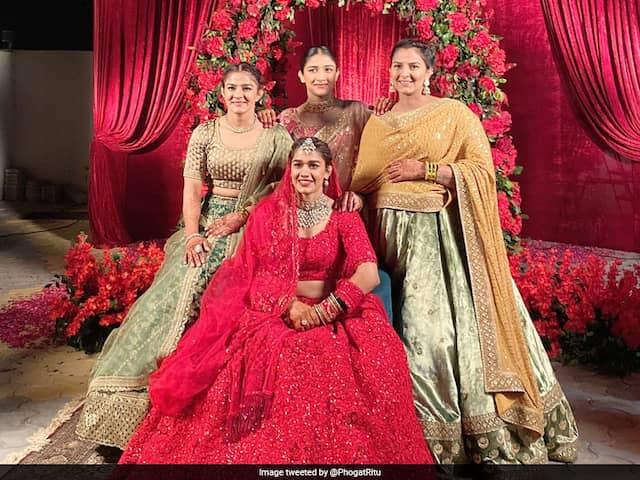 "Ritu Phogat Congratulates Sister Babita Phogat On Wedding, Calls ""Jiju"" Vivek Suhag ""One Lucky Guy"""