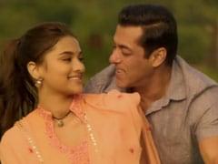 <I>Dabangg 3</i>: Salman Khan Tweets A Poser - 'King Of Romance Shah Rukh Khan Ya Hum?'