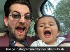 Viral Video: तैमूर को टक्कर देने आईं ये स्टार किड, पापा संग बुड्ढे बाबा की नकल करती आईं नजर