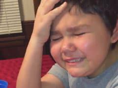 कीमोथेरेपी की आखिरी दवाई लेते ही खुशी के मारे रो पड़ा 9 साल का बच्चा, Video देख आप भी हो जाएंगे इमोशनल