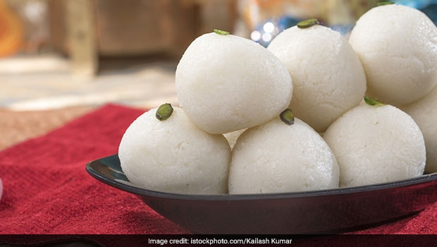 Indian Cooking Tips: How To Make Rasgulla At Home Just Like Your Local Sweet Shop (Recipe Inside)