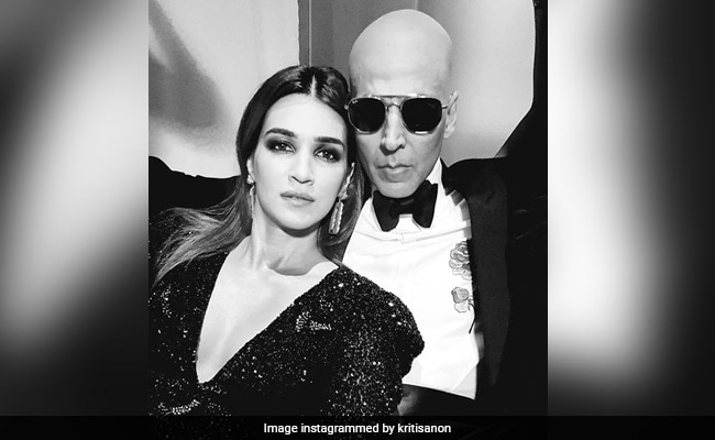 Housefull 4 Actress Kriti Sanon Says 'Comedy Is Serious Business,' Thanks Akshay Kumar For Helping Her