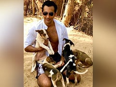 Rahul Khanna And Puppies. See Pic Here - You Can Thank Us Later