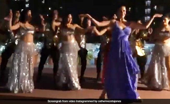 When Catherine Zeta-Jones Danced To Kala Chashma In India