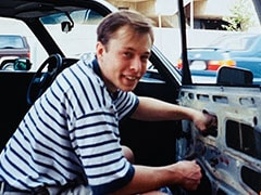 Musk's Mother Shares A 1995 Photo Of Him Fixing Car Window