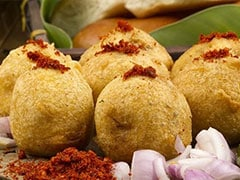 """100 Cooks Attempt World Record, Make 25,000 """"Batata Vadas"""" In 12 Hours"""