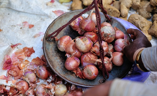 Maharashtra Cloth Gives Away Free Onions On Purchases Worth Rs 1,000