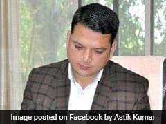 Maharashtra BJP Corporator Fined Rs 5,000 For Using Plastic Gift Wrap