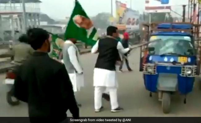 3 Rashtriya Janata Dal Members Expelled For Vandalising Auto-Rickshaw