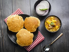 How To Make <i>Bedmi Puri, Aloo</i> And <i>Kheer</i> For A Lavish <i>Teej</i> Feast