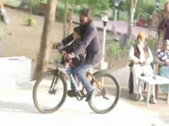 Hemant Soren Rides Bicycle After JMM Victory