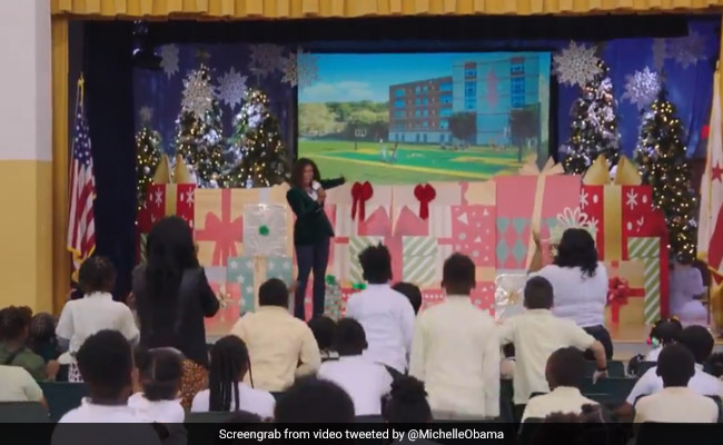 Michelle Obama Surprises US School With Giveaways - $10,000, Apple Computers