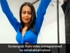Neha Kakkar ने सिंगिंग और डांसिंग से यूं मचाया धमाल, खूब देखा जा रहा वीडियो
