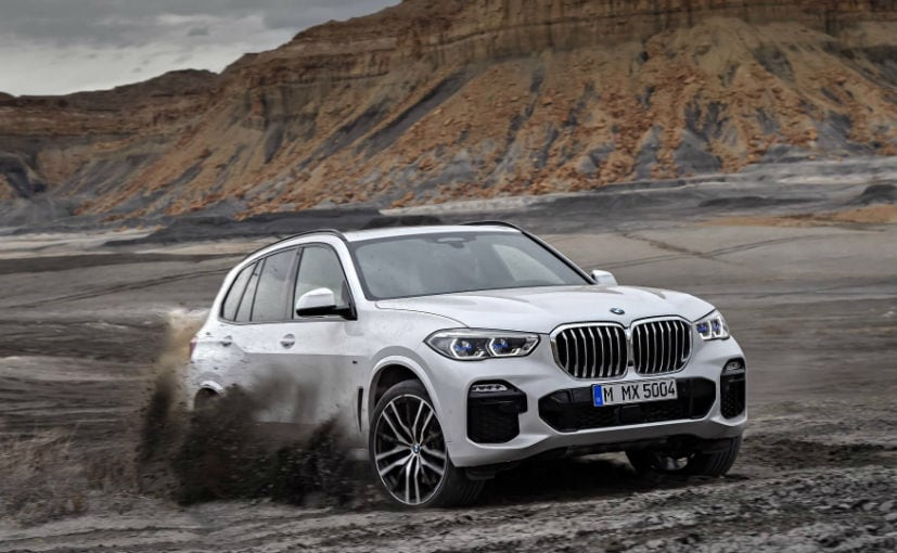 2019 bmw x5 breaks cover with evolved design and more tech ndtv carandbike. Black Bedroom Furniture Sets. Home Design Ideas