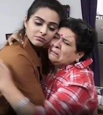 TikTok Viral Video: बिग बॉस के घर से बेघर हुईं मधुरिमा को देखकर रो पड़ी मां, गले लगाकर ऐसे किया प्यार