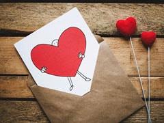 Valentine's Week Days List: 7 फरवरी को Rose Day और 13 को है Kiss Day, यहां है पूरी Date Sheet, जानें वेलेंटाइन वीक के Gift Ideas