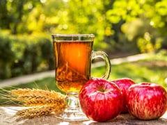 Apple Health Benefits: रोजाना एक सेब खाने से कब्ज और दस्त दोनों से मिल सकता है छुटकारा, लेकिन अलग-अलग तरीके से खाएं!