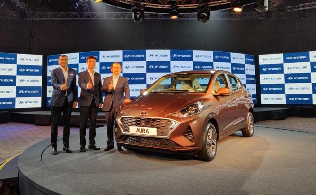 S S Kim, MD & CEO, Hyundai Motor India with senior level management.