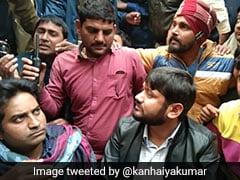 बिहार के कटिहार में कन्हैया कुमार के काफिले पर फेंके गए जूते-चप्पल, 'वापस जाओं' के नारे लगे