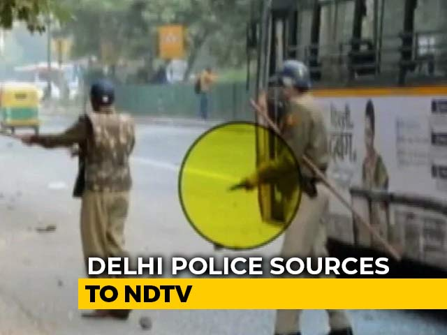 Video : Delhi Police Fired In Air In Self-Defence During Jamia Protests: Sources