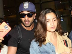 Vacation Done. Alia Bhatt And Ranbir Kapoor, Mobbed At Mumbai Airport, Walk Away Calmly