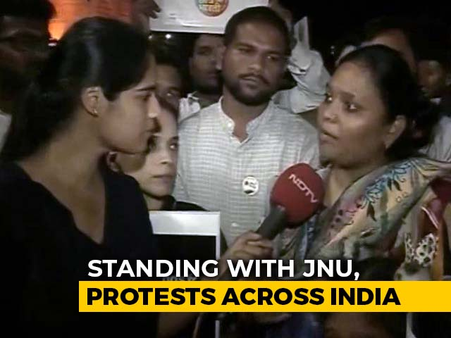 Video : Mumbai Stands In Solidarity With JNU Students